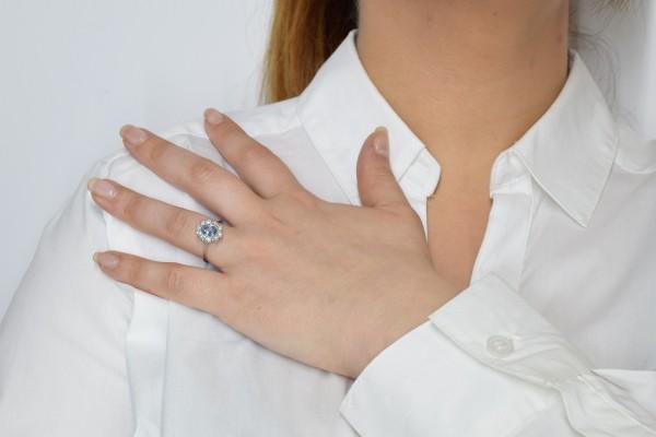 Iris ring in diamond white gold and aquamarine