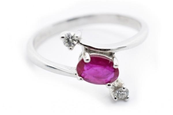 Gianna Ring in weißem Diamant und Rubingold
