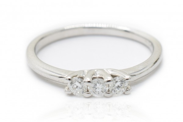 三部曲伊莉莎在白金和钻石