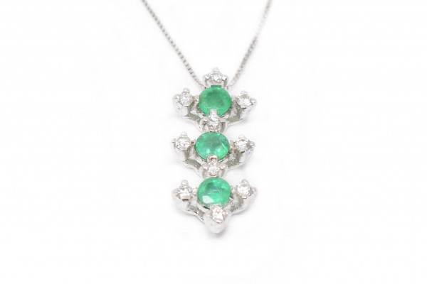 White and emerald gold Doris pendant