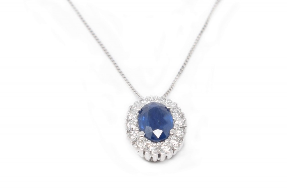 Leaning Maja white gold and blue sapphire