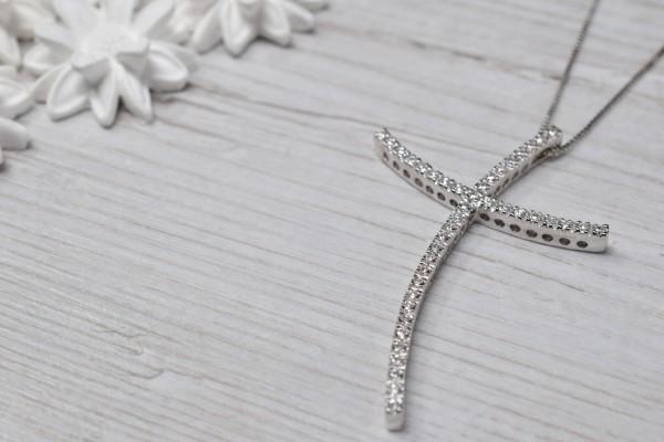 Dana pendant white gold and diamonds