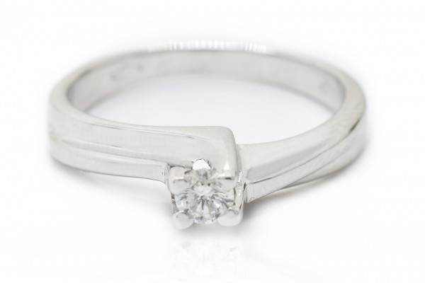 Nicoletta solitaire in white gold and diamond