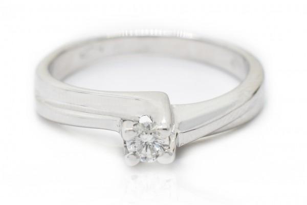 Solitaire de Nicoletta en or blanc et diamant